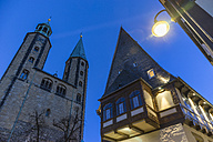Germany, Goslar, hotel Brusttuch and market church at night - PVCF000255