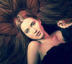 Portrait of seductive young woman - FCF000595
