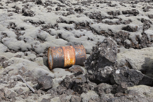 Iceland, rusty can - ATAF000077
