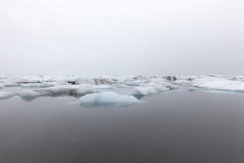 Iceland, Jokurlsarlon, glacier lake, glacial ice - ATAF000095