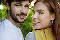 Portrait of happy young couple outdoors - WESTF020692