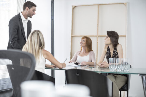 Business meeting in conference room - ZEF003029