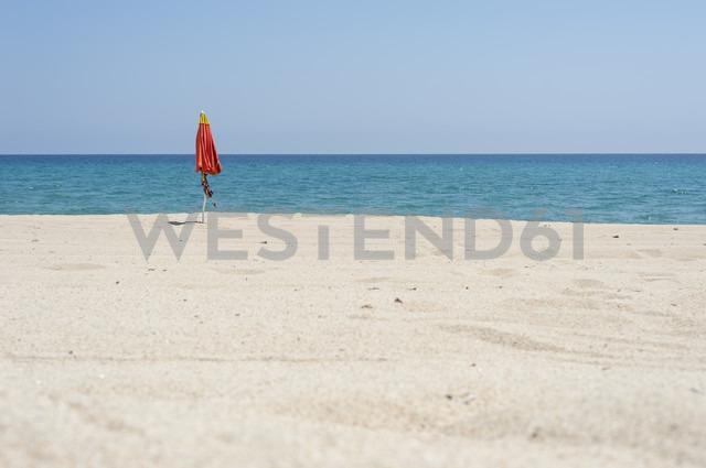 Italy, Sardinia, Ogliastra, Tortoli, sunshade at the beach - JBF000231