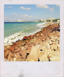 Rocky shore line at the Malecon, Puerto Vallarta, Mexico - ABA001601