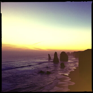 cliff, sunset, seven sisters, beach, water, sea, erosion, princetown, city victoria, australia - LUL000034