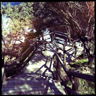 wooden stairs, beach, walk, brisbane, queensland, point look out, brisbane, queensland, australia - LUL000044