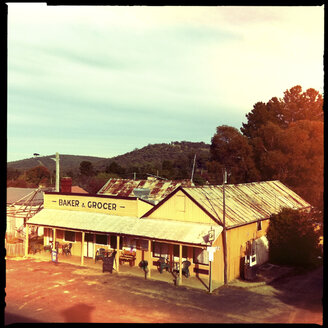 old, vintage, hotel, road pub for gold diggers, hill end, new south wales, australia - LUL000060