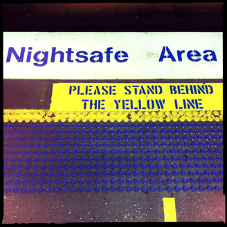 night safe area, sign, ground, trainstation, please stand behind the yellow line, safty, sydney, australia - LUL000071