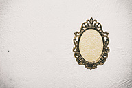Old picture frame on wall - ON000790