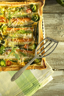 Vegetarian quiche with different vegetables - MAEF009379
