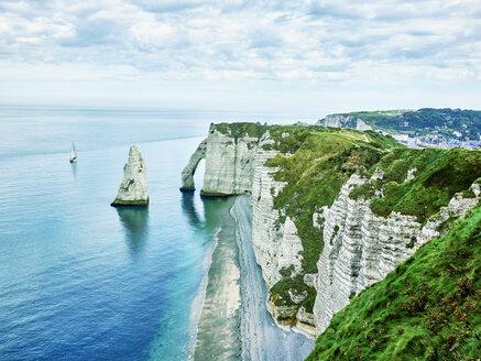 France, Normandy, Etretat, Cote d'Albatre, rocky coastline - SEGF000212