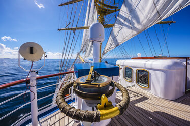 Caribbean, Antilles, Lesser Antilles, Grenadines, Union Island, Compass on a sailing ship - THA001204
