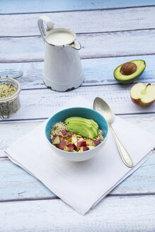 Avocado apple muesli with hemp seeds - LVF002641