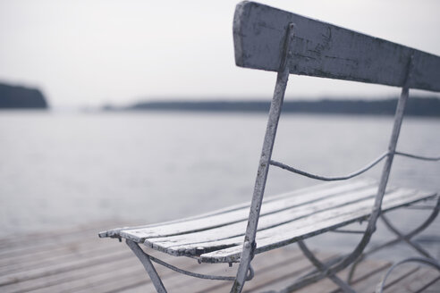 Weathered wooden bench on a bathing jetty - VRF000145