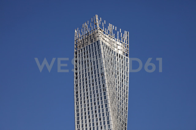 UAE, Dubai, upper part of Cayan Tower - PCF000018