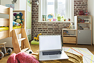 Laptop in children's room - MFF001401