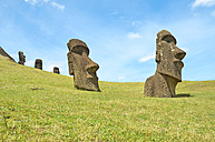 Chile, Easter Island, Moai stone heads in Rano Raraku quarry, Rapa Nui National Park - GEMF000196
