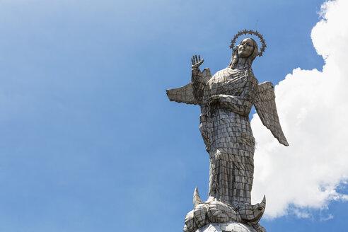 Ecuador, Quito, statue Virgen de Quito on El Panecillo - FOF007597