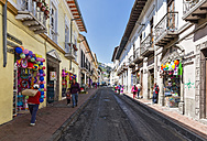 Ecuador, Quito, colorful shops at the Old town - FOF007635