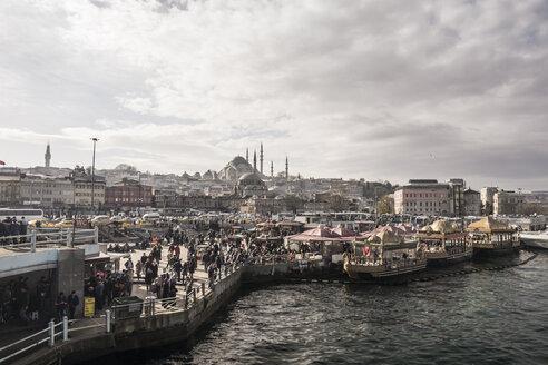 Turkey, Istanbul, Eminoenue, view to Rustem Pasha Mosque - CHPF000023