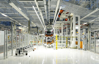 Production of VW cars in a factory - SCH000435