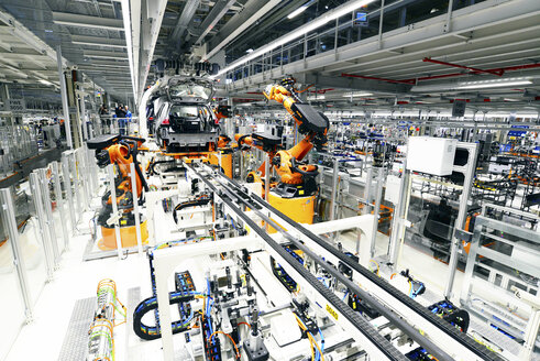 Production of VW cars in a factory - SCH000454