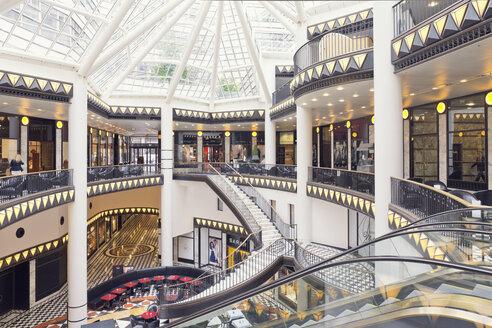 Germany, Berlin, inside shopping mall Quartier 206 - MEM000696
