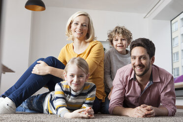 Portrait of happy family at home - RBF002403