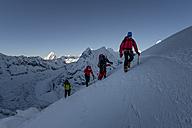 Nepal, Khumbu, Everest region, mountaineers on Island peak - ALR000043