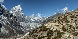 Nepal, Khumbu, Everest region, Yaks en route to Dughla, Cholatse in background - ALRF000026