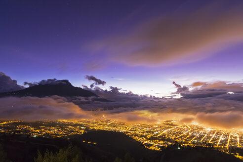 South America, Ecudador, Imbabura Province, Ibarra, Imbabura Volcano, Blue hour and fog - FOF007655
