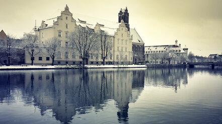 Germany, Landshut, building in winter - SARF001333