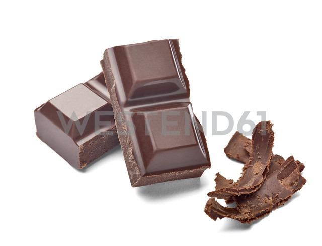 Chocolate bar and chocolate shaving on white background - RAMF000040