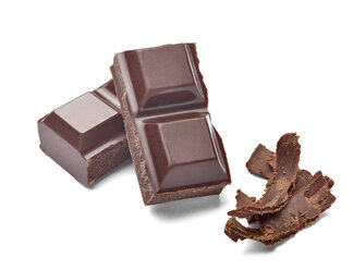 Chocolate bar and chocolate shaving on white background - RAMF000040