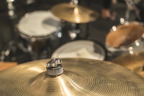 Drums and cymbals, close-up - DEGF000208