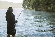 Bulgaria, man fishing at dam - DEGF000215