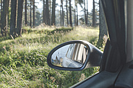 Bulgaria, Car in the woods, reflection in the wing mirror - DEG000329