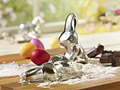Eastern, Easter bunny baking dish and flour - SRSF000569