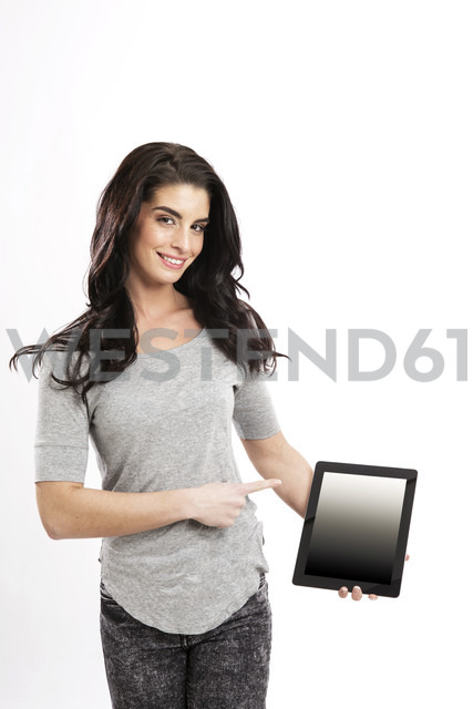 Portrait of smiling young woman showing digital tablet - GDF000685 - Gabi Dilly/Westend61