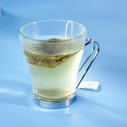 Glass of ginger lemon tea - SRSF000538