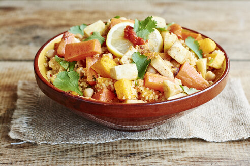 Couscous with vegetables, including carrots, parsnips, pumpkin, shallots, apricots and chickpeas - HAWF000640