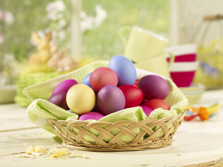 Eastern, Easter nest, basket with coloured eggs - SRSF000562