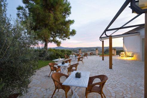 Spain, Mallorca, Hotel Es Convent, terrace in the evening - MEM000720