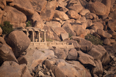 India, Karnataka, landscape with temple and granite rocks in Hampi - PCF000072