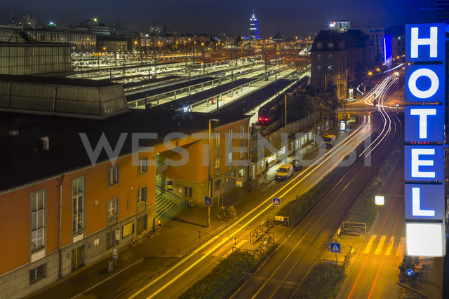 Germany, Munich, central station by night - NK000229 - Stefan Kunert/Westend61