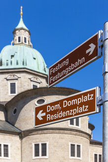 Austria, Salzburg, signpost on Kapitelplatz and Salzburg Cathedral - AMF003794