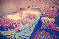 Old-fashioned bedroom - HOH001278