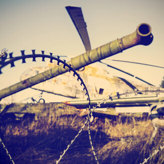 Germany, Bad Oeynhausen, decommissioned tank, military airplane and helicopter - HOH001272