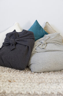 Pillowcases made of old pullovers - GIS000016