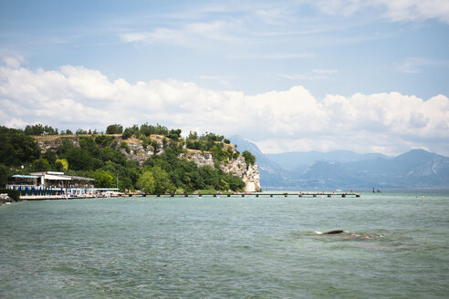 Italy, Lombardy, Province of Brescia, Sirmione, Lake Garda, sulfur spring - GSF000940